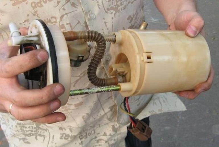 Как правильно заменить топливный насос самостоятельно, не обращаясь к помощи специалистов