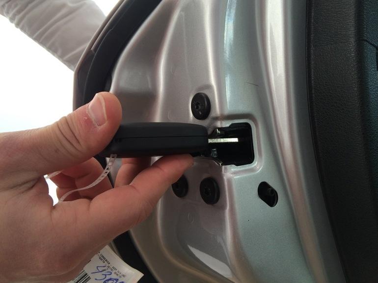 Малоизвестные функции автомобилей: указатель бензобака, электроника тормоза и другие