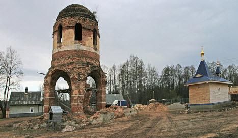 Трасса Р52 Феофилова Пустынь развалины Успенского храма