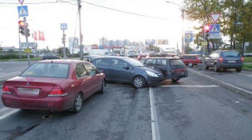 авария на перекрестке в Москве
