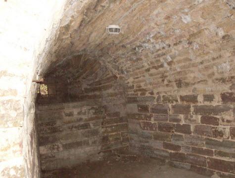 Бойница внутри, крепость Орешек, трасса М18