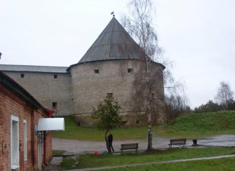 Климентовская башня, достопримечательности трассы М18 Кола