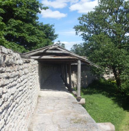 Крепостная стена, боевой вход Порхов трасса М20
