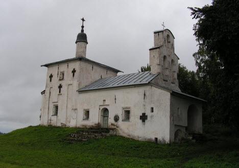 Никольская церковь на Труворовом городище, достопримечательности трассы М20