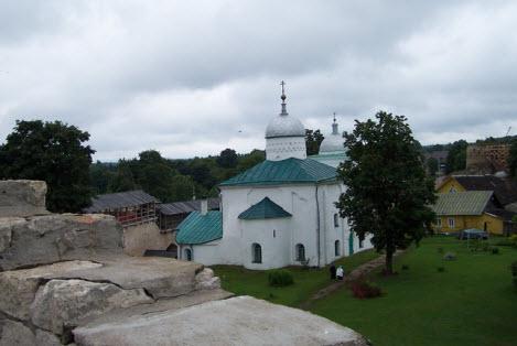 Никольский собор, Изборск, трасса А212