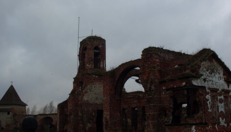 Руины Иоанновского собора внутри крепости Орешек