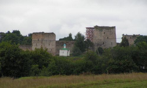 башня Рябиновка и Корсунская часовня, башня талавская, Изборск, трасса М20