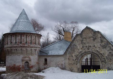 Башня с воротами, главный вход в Феодоровский городок, пушкин, трасса М10