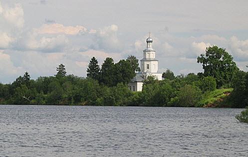 Вид с трассы А108 на Рузское водохранилище
