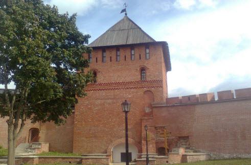 Владимирская башня, достопримечательности трассы М10