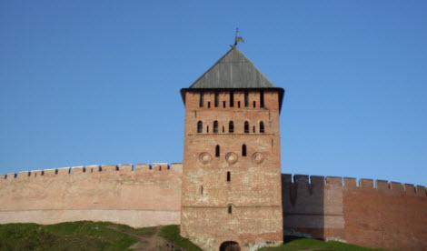 Дворцовая башня, Новгород, трасса М10