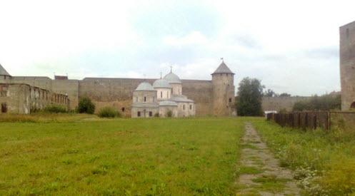 Провиантская башня, Никольская церковь, Успенский собор и Армейский магазин