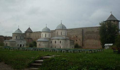Провиантская башня, успенский собор, Никольская церковь, Осьмиугольная башня, достопримечательности трассы М11