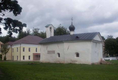 Церковь Андрея Стратилата, Новгород, трасса М10