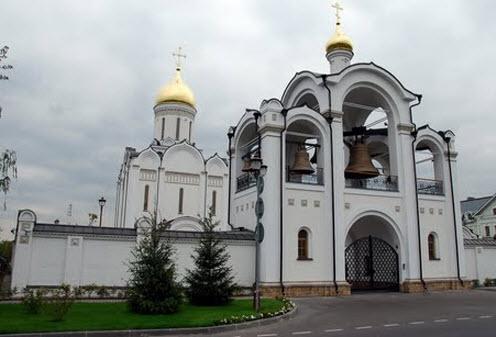 Церковь Спаса Нерукотворного Образа, трасса А105, Усово