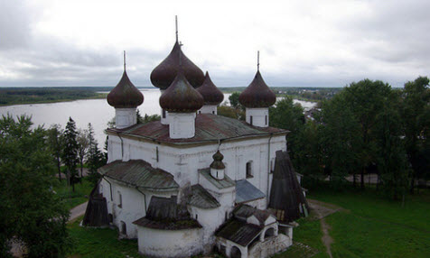 Церковь вид с колокольни в Каргополе, трасса Р2