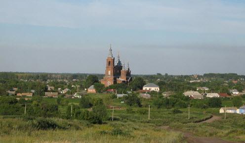 Вид с трассы Р193 на Михаило-Архангельский храм