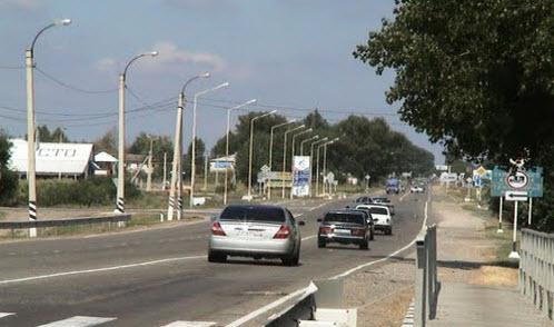 Трасса Р251, дорога Р251 в поселке Красный Октябрь