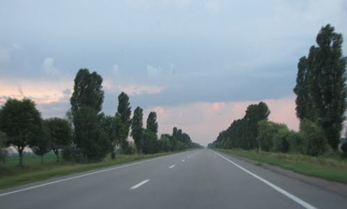 Украинская трасса М02, возле поселка Кипти
