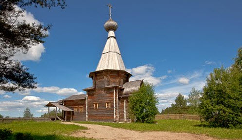 Деревянная церковь, трасса Р5, музей