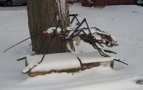 Памятник комару, Кронштадт, трасса М10