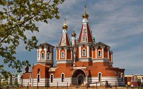 Церковь в Отрадном, трасса Р225