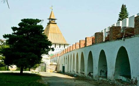 Архиерейская башня, Астраханский кремль, трасса М6