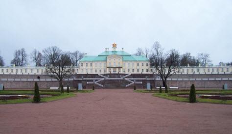Большой Меньшиковский дворец, достопримечательности трассы М11