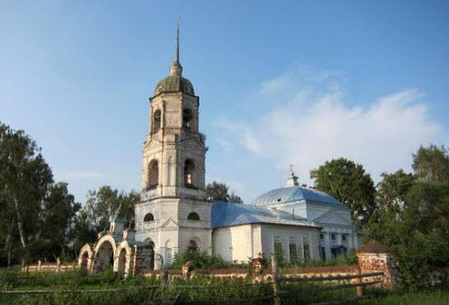 Покровская церковь, Задорожное, трасса Р81