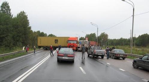 Трасса М10, возле Валдая