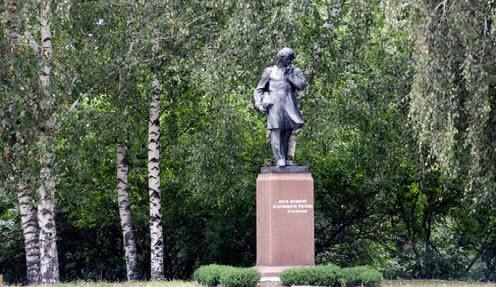 памятник Белинскому,  трасса Р-209