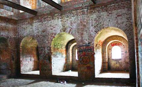 Внутри Авраамиевской башни, Смоленск, трасса М1