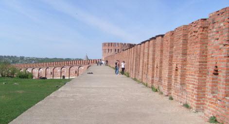 На крепостной стене Смоленского кремля, трасса М1