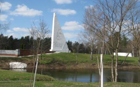 памятник на Партизанской поляне, трасса М3