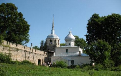 Никольская церковь, Порхов, трасса Р57