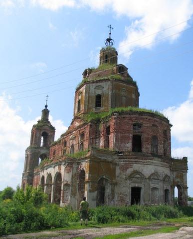 Церковь Дмитрия Солунского, Нестерово, траса Р124