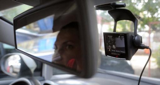 видеорегистратор зеркало автомобиль