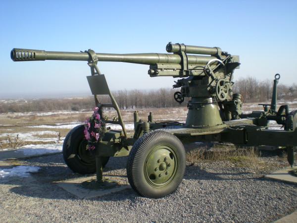 пушка памятник трасса михайловка - суровикино
