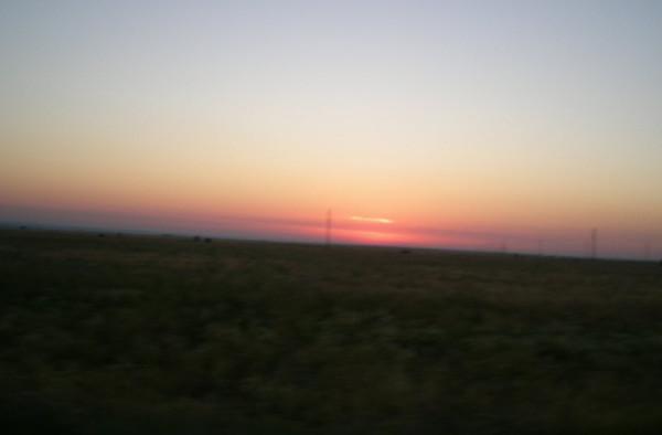 солнце встает на трассе Обливская - Вешенская