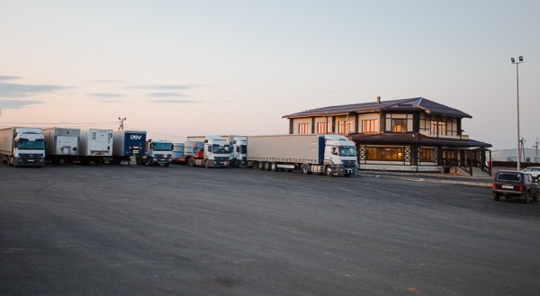 паркинг отель Родина на трассе москва краснодар
