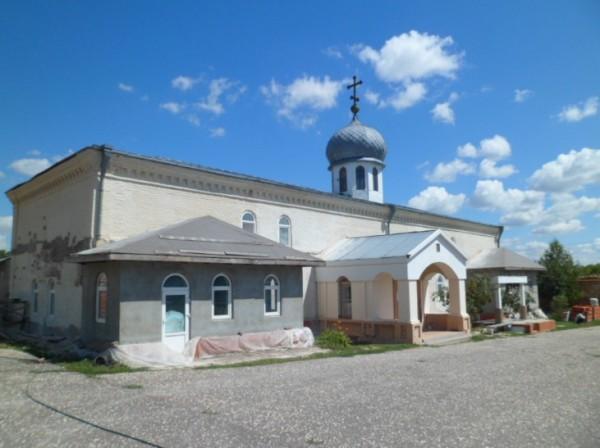 Белогорский каменно-бродский свято-троицкий монастырь храм