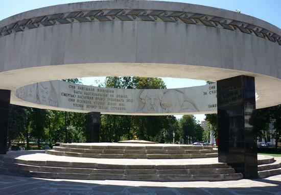 памятник в кольцо тамбов