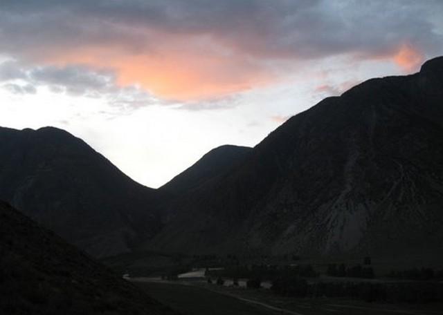 закат в горах на алтае