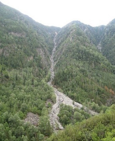 каменная сыпучка в горах