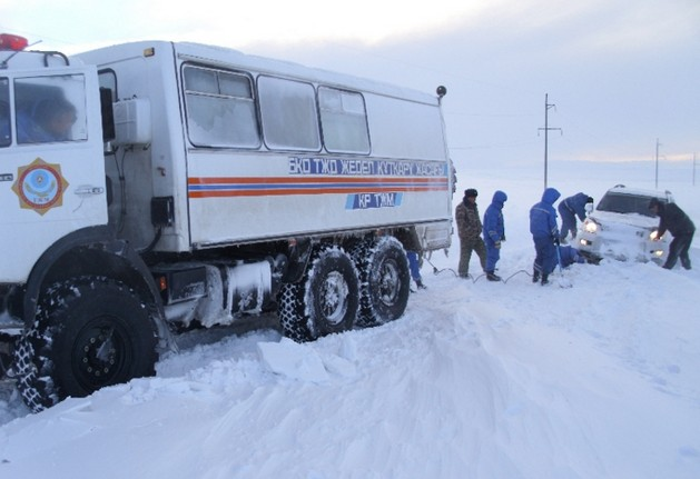 снегопад на дорогах казахстана