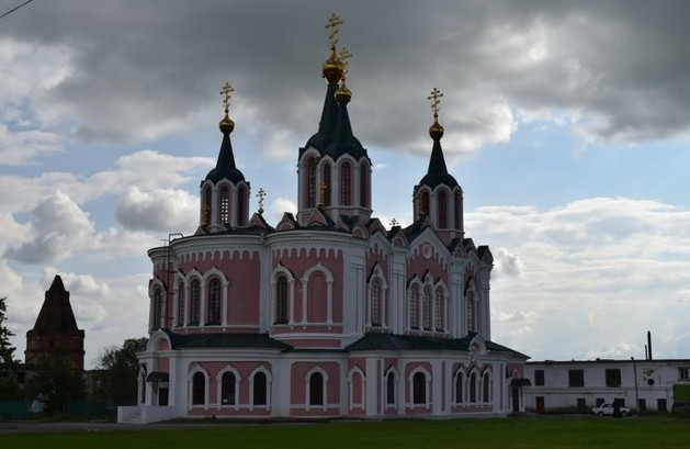 Храм Долматово