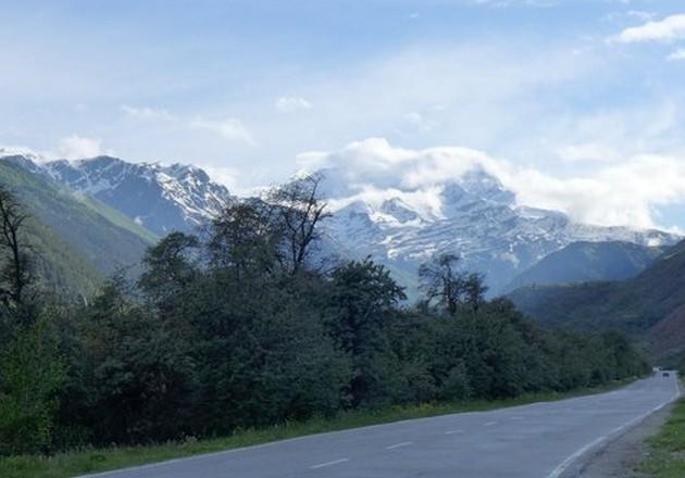 горная дорога на кавказе