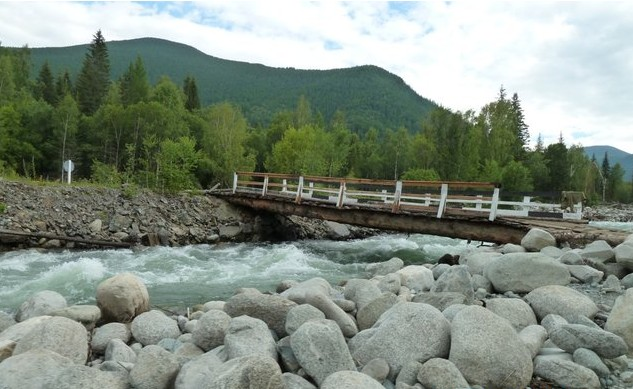 мостик через печку кумир