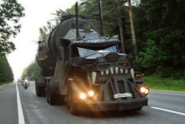 безумный грузовик из чили