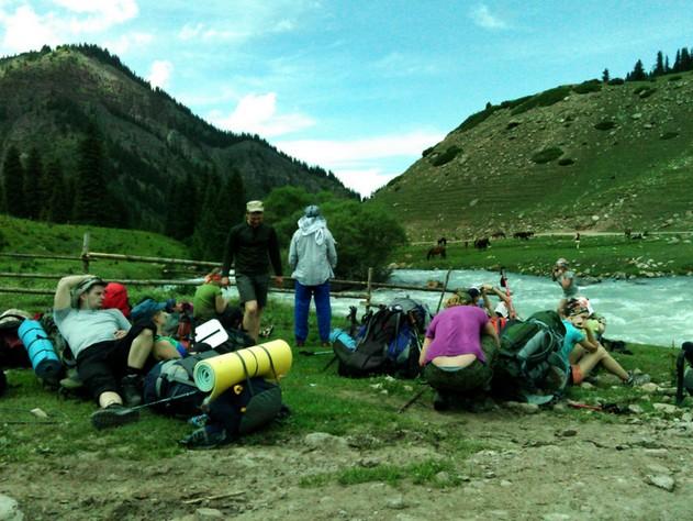 поездка на иссык - куль горы и речка